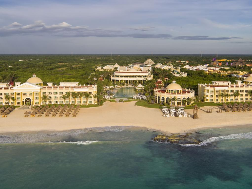 Iberostar Grand Paraiso (also valid for Staff's Family & Friends even if the Staff member is not travelling!)